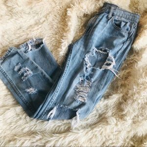 BDG Slim boyfriend lowrise ultra distressed jeans
